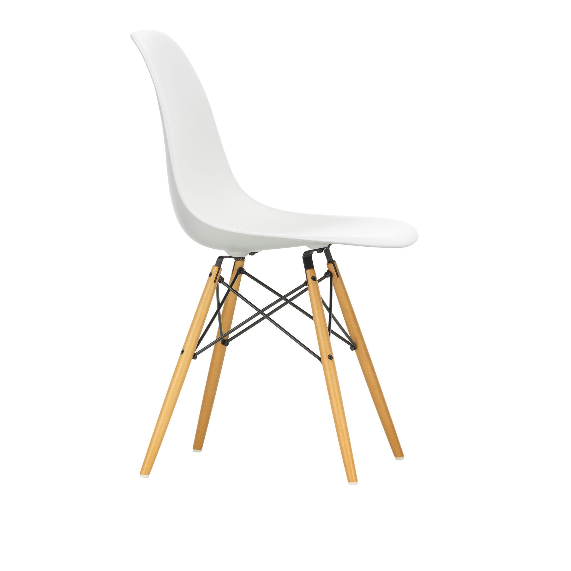 Eames Plastic Chair DSW 04 White Golden Maple