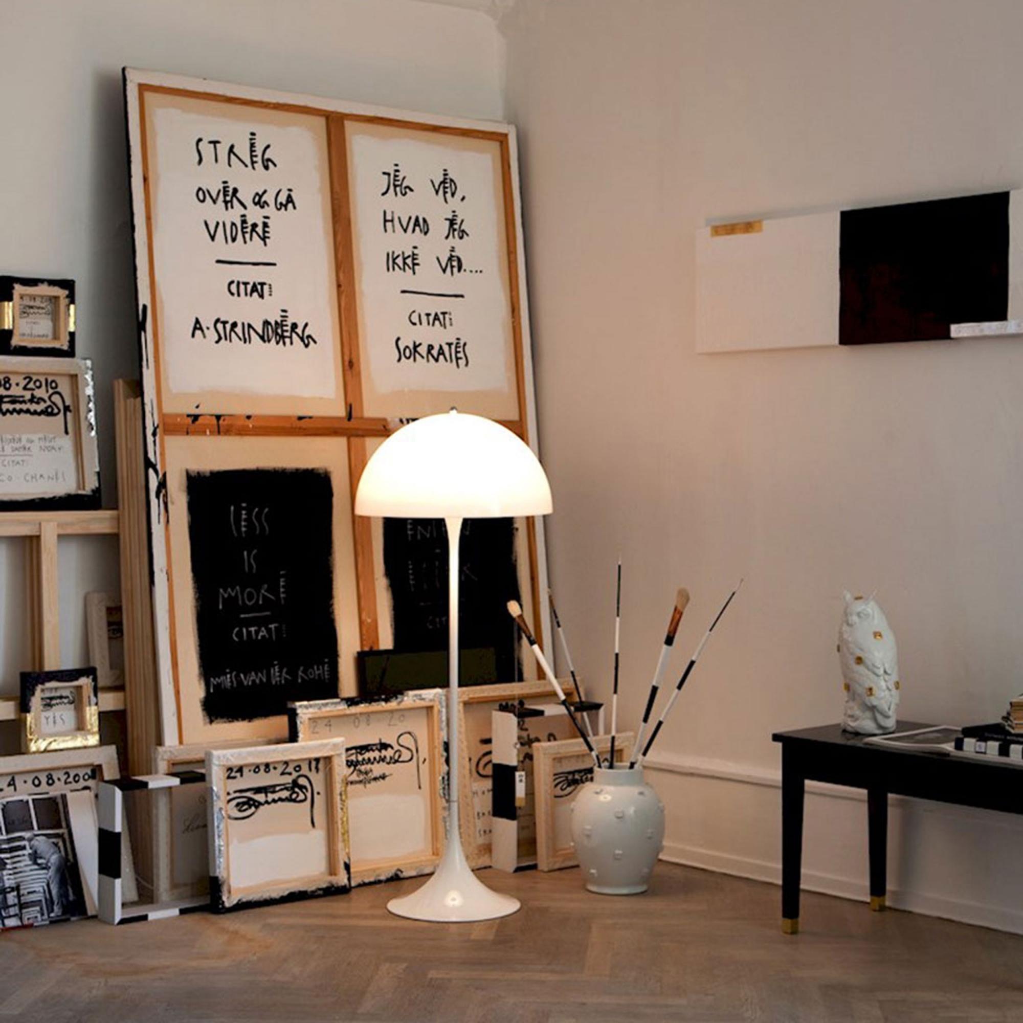 k p panthella golvlampa fr n louis poulsen nordiska. Black Bedroom Furniture Sets. Home Design Ideas