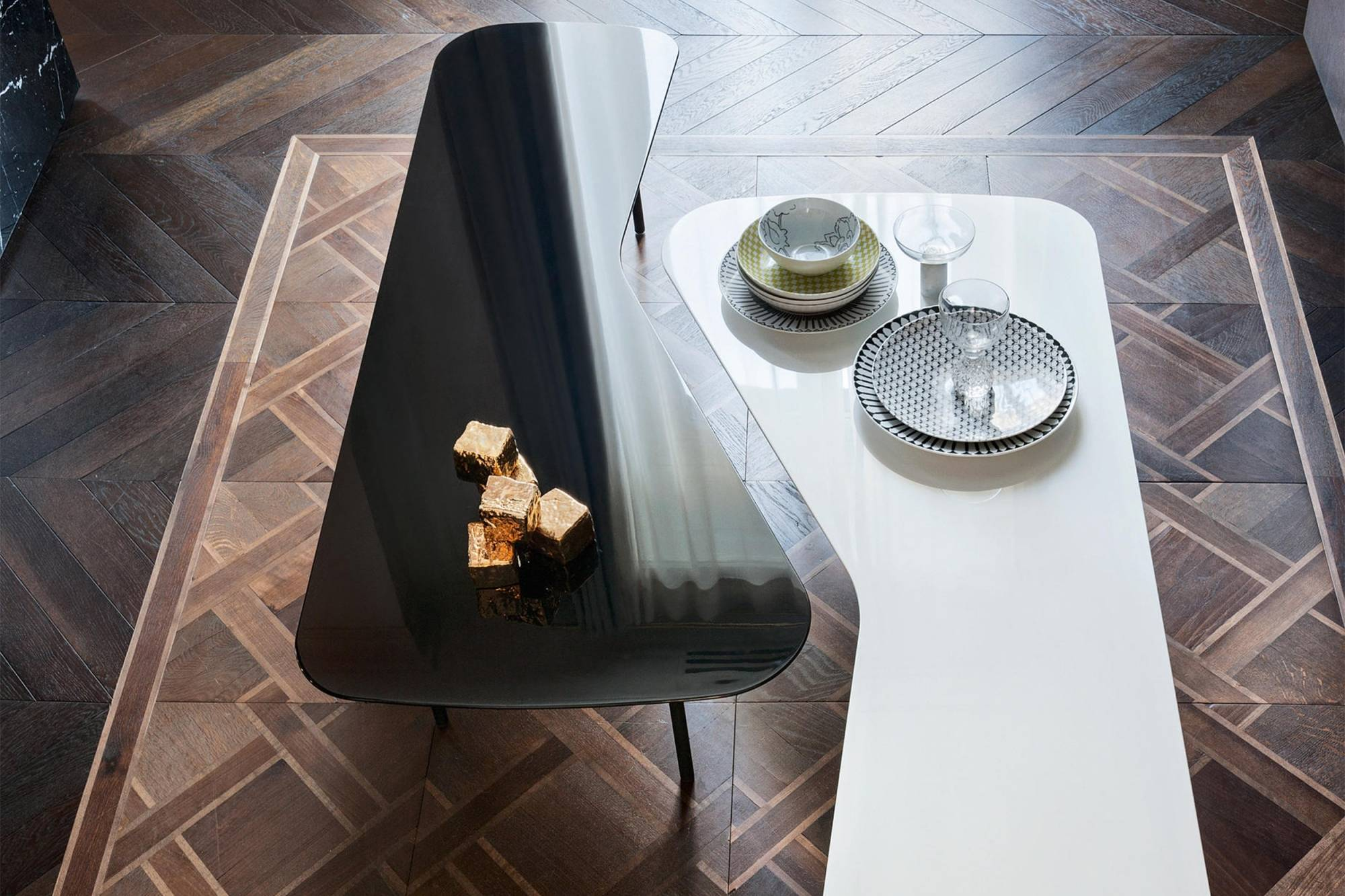 Köp Coffee Table by Alexander Girard fr¥n Knoll