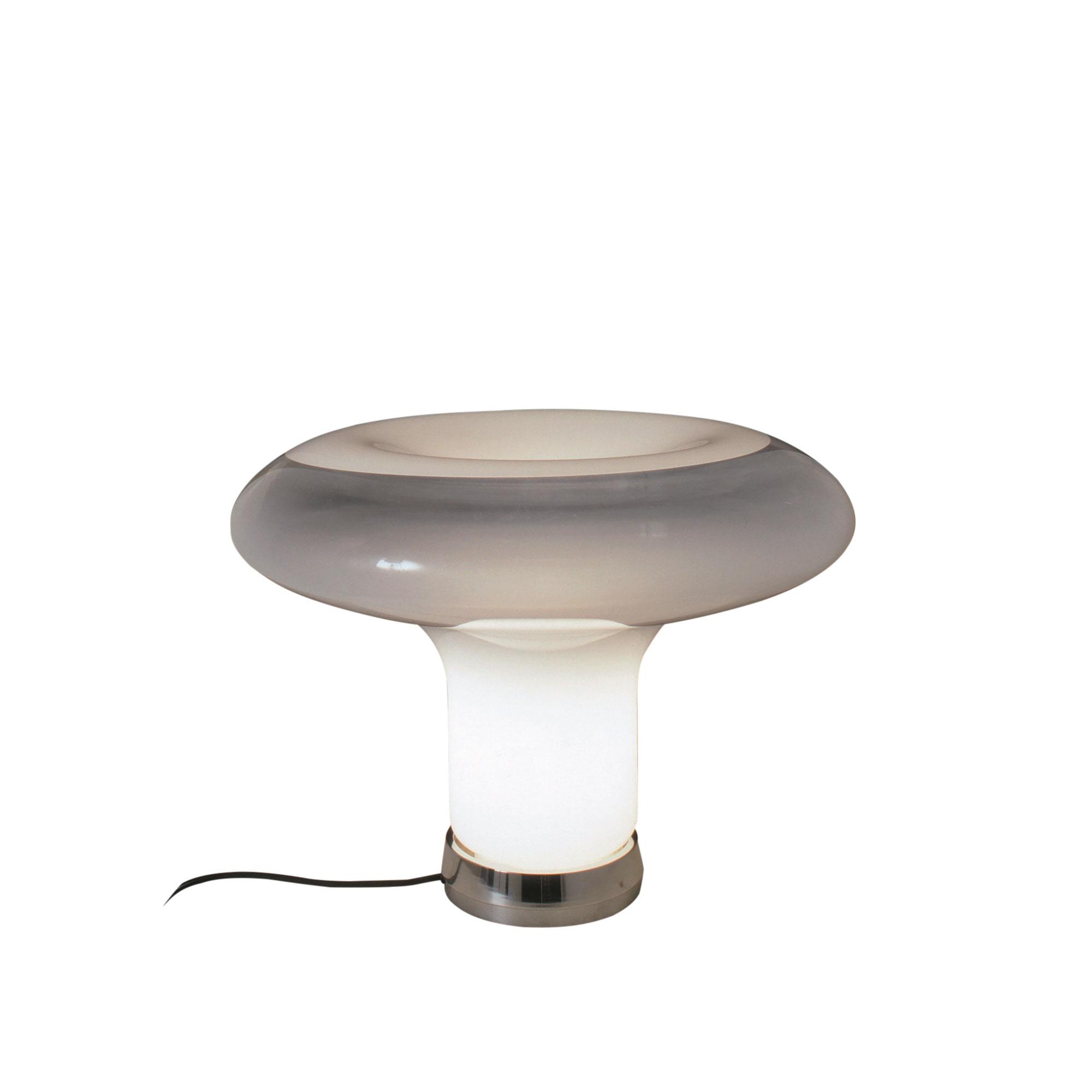 Köp Lesbo Bordslampa från Artemide | Nordiska Galleriet